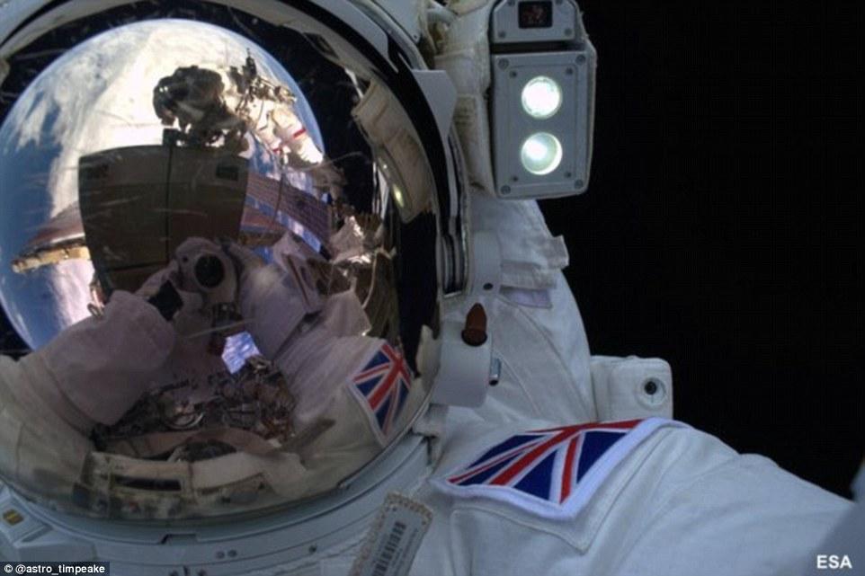 از سلفی در فضا تا لغو ماموریت
