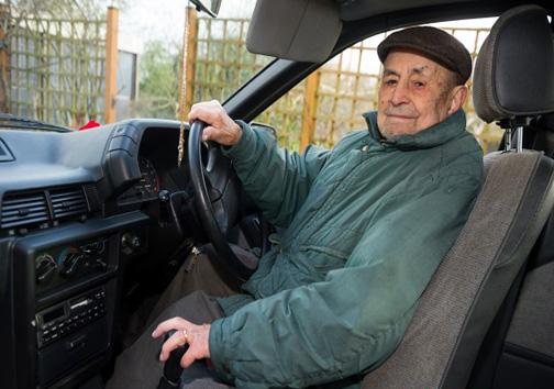 پیرترین رانندهی انگلیسی + تصاویر