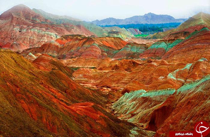 صخره های رنگی در چین+ تصاویر