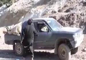 لحظه انفجار دو عضو انتحاری داعش + فیلم