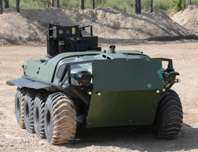 رباتهای مجهز روسی به جنگ تروریستها میروند!+ تصاویر