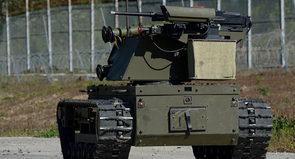 رباتهای روسی به جنگ تروریستها میروند!+ تصاویر