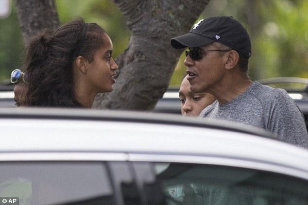 وقتی اوباما و دخترانش در هاوایی بستنی می خورند+ تصاویر