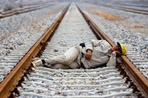ایران از بیماری «تنبلی اجتماعی» در رنج است!/چرا از کار میگریزیم؟