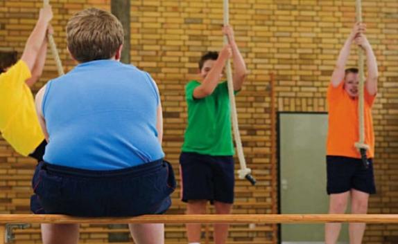 خطرات چاقی کودکان را با ورزش کاهش دهیم(1)
