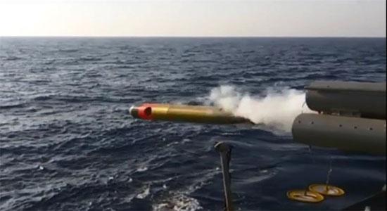 شلیک موشک کروز نصر و اژدرهای پیشرفته از شناورهای رزمی نداجا+ تصاویر