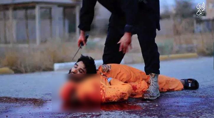 گردن زنی هولناک شیعیان بدست داعشی ها+ تصاویر (18+)