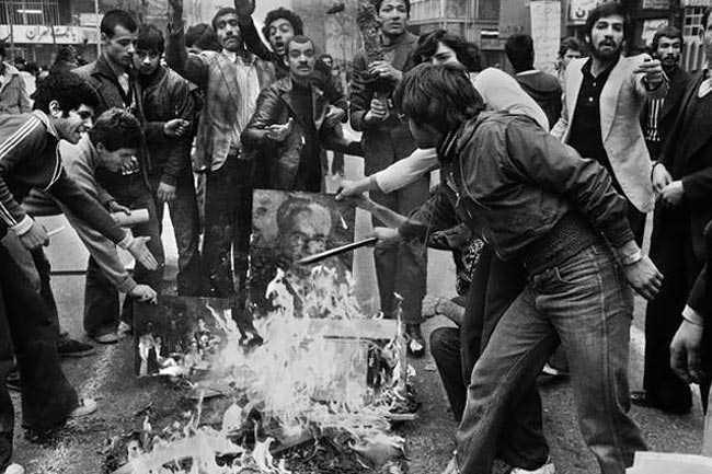 نخستین مخالف انقلاب اسلامی، کدام دولت بود؟