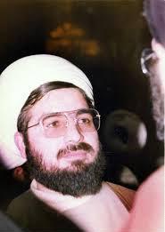 چه کسی برای نخستین بار لقب امام را برای رهبر انقلاب به کار برد؟
