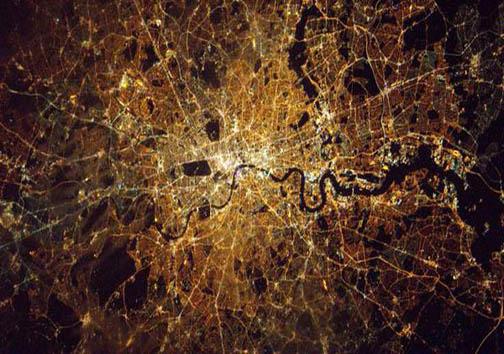 نمای آسمان لندن از ایستگاه فضایی + تصاویر