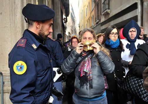 پلیس ایتالیا: زدن ماسک در کارناوال ونیز ممنوع + تصاویر