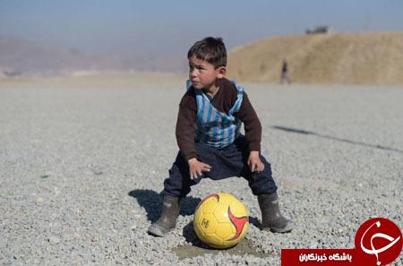 گشتی در تصاویر خبری چهارشنبه 14 بهمن/ از تمرین نظامی در قطب شمال تا هوادار 5 ساله لیونل مسی در کابل