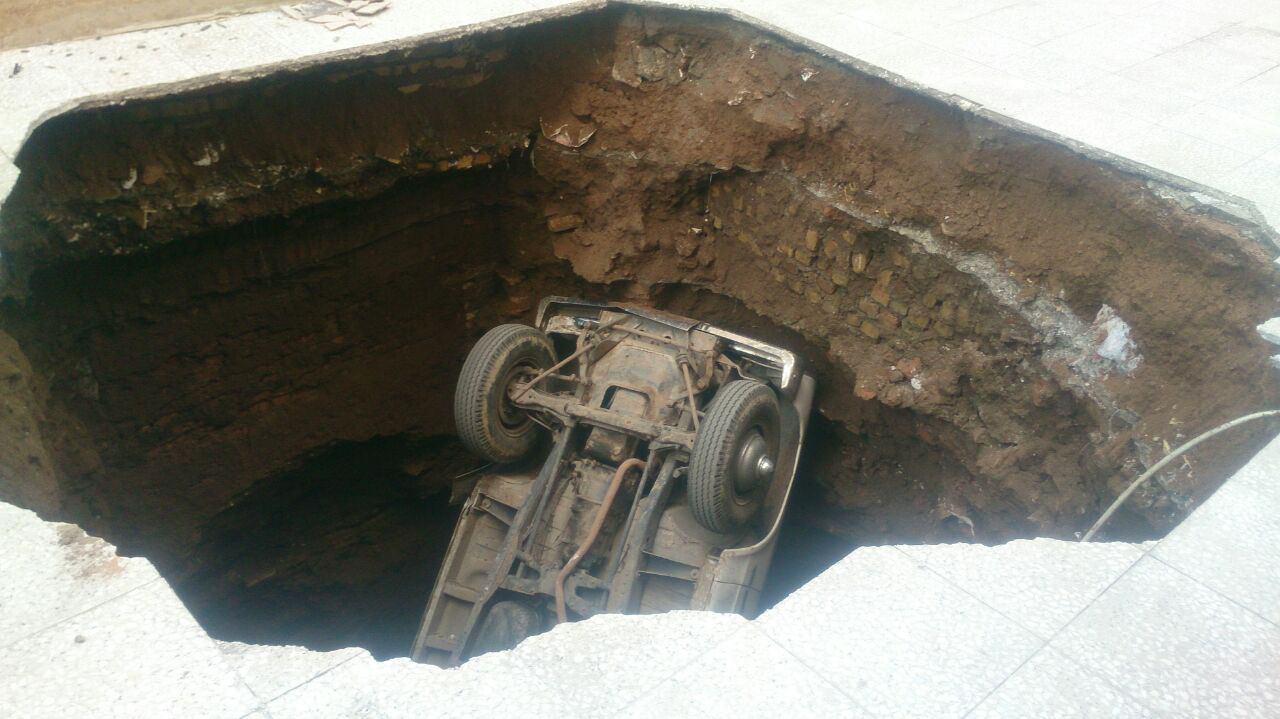 چاهی که نیسان و راننده اش را بلعید