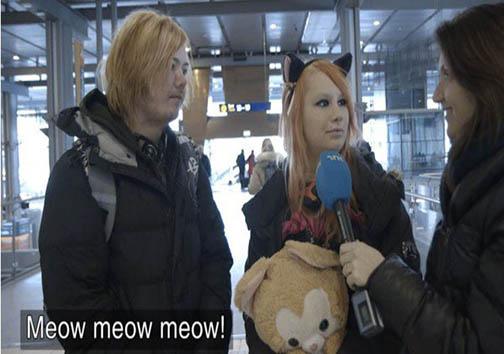 دختری که احساس میکند گربه است! +تصاویر