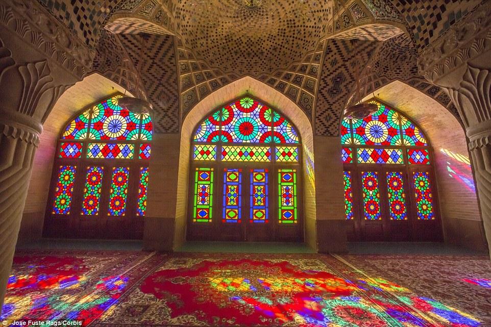 دیلی میل: عکسهایی نفسگیر از گنجینههای باشکوه پنهان و زیبای ایران + تصاویر