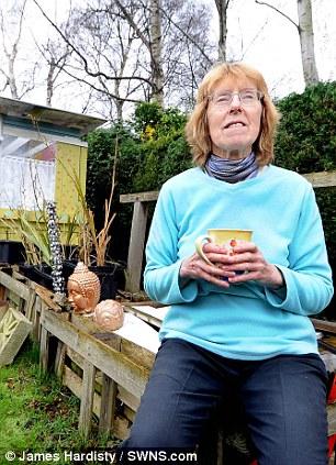 این خانم انگلیسی خسیسترین فرد شناخته شده / این خانم به ناخن خشکی خود مینازد!!!