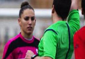 پیشنهاد  عجیب و بیشرمانه داور مرد به فوتبالیست زن
