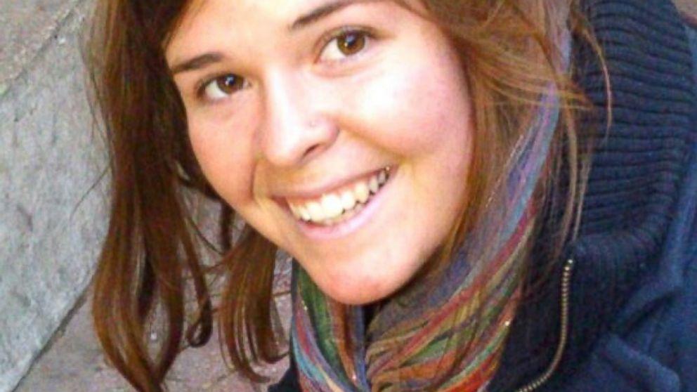 بیوه داعش به همدستی در مرگ گروگان زن آمریکایی متهم شد+ عکس