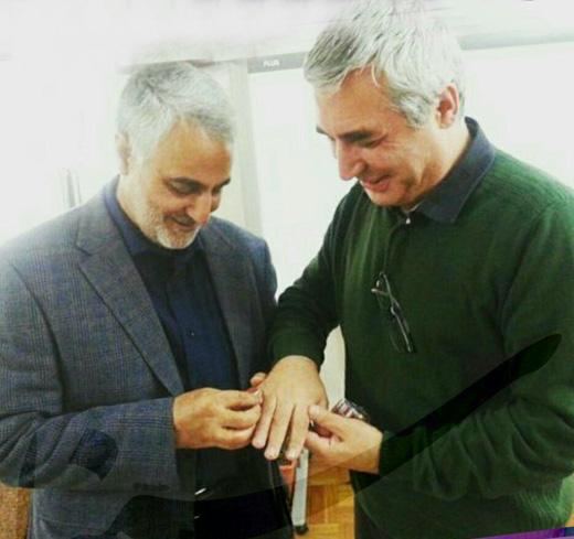 حاتمیکیا با سردار سلیمانی دیدار کرد/ اهدای انگشتر مدافعان حرم به کارگردان «بادیگارد» + تصاویر