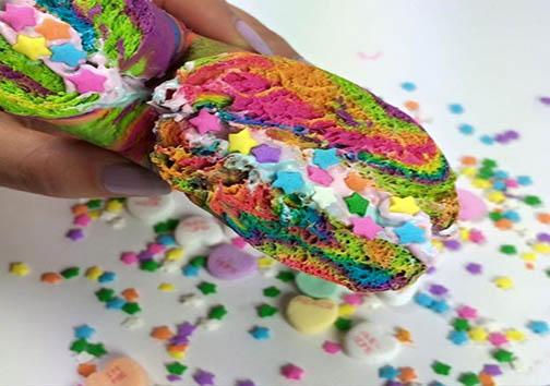 زیباترین نان شیرینی حلقه ای دنیا متعلق به کجاست؟ + تصاویر