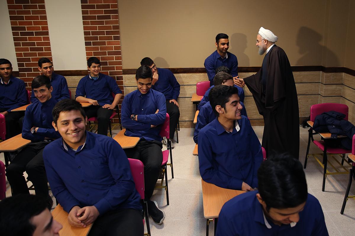 حضور روحانی در کلاس درس برجام