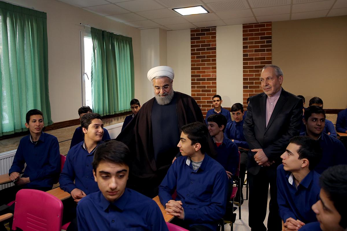 بازدید روحانی از کلاس درس برجام+ تصاویر
