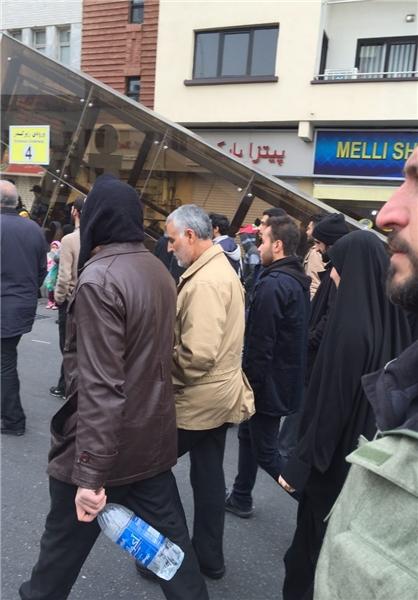 عکس های حضور سردار سلیمانی در راهپیمایی 22 بهمن