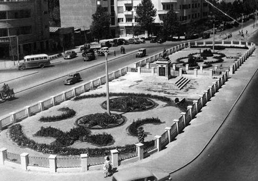 عکس/ میدان فردوسی در دهه 20