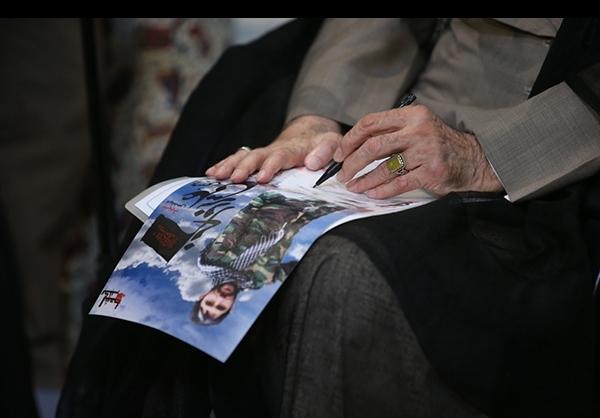 حاشیههای دیدار جمعی از خانوادههای شهیدان مدافع حرم با رهبر معظم انقلاب +تصاویر