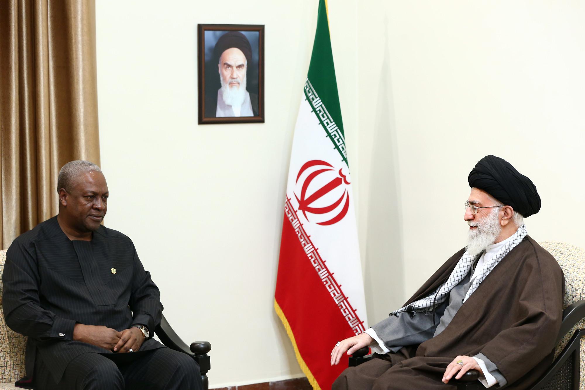 رئیسجمهور غنا و هیأت همراه با رهبر انقلاب دیدار کردند