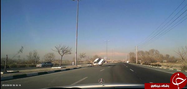 سارقان حرفهای تهران حین فرار از دست پلیس دچار حادثه شدند +تصاویر