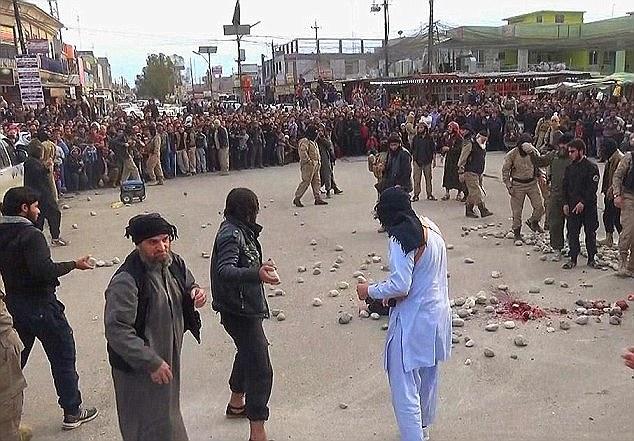 دلخراشترین مجازات داعش/ سنگسار چهار زن در ملأ عام + تصاویر