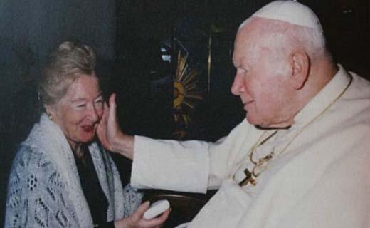 افشای رابطه نزدیک 30 ساله پاپ سابق با یک زن متاهل