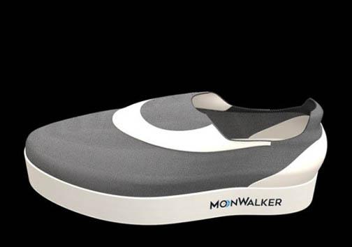 کفش هایی که تجربه قدم زدن روی ماه را به کاربر القا می کنند + تصاویر