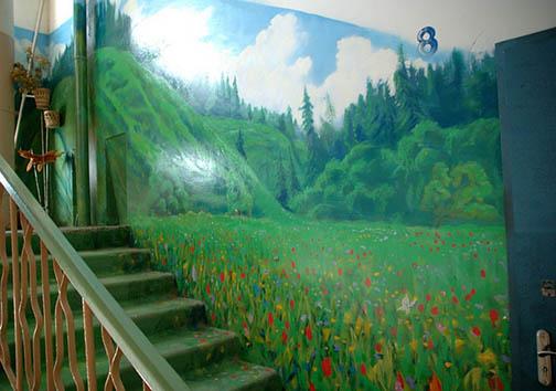 هنرمند روسی تمام خانه اش را بوم نقاشی خود کرد + تصاویر