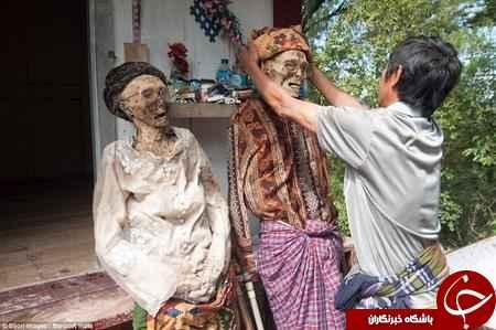 مراسم نبش قبر مردگان + تصاویر