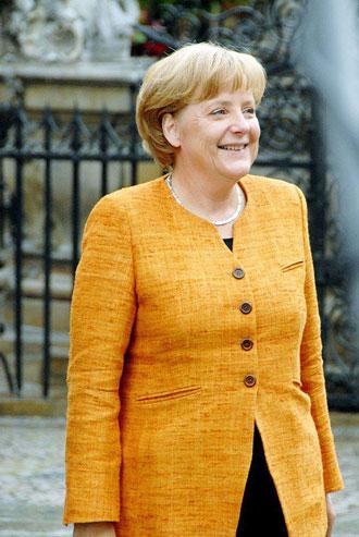 قدرتمندترین زن جهان، ساده پوش بی آلایش