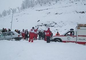 چرخساز:امدادرسانی به 4200 نفر  در برف و کولاک 18 استان/ نجات 6 زن باردار