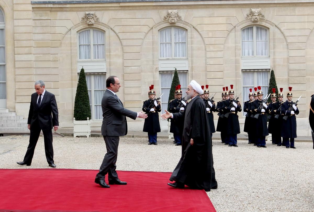 استقبال رسمی رییس جمهور فرانسه از روحانی+تصاویر