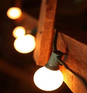 حکایت ضربالمثل «چراغی که به خانه رواست، به مسجد حرام است» را میدانید؟