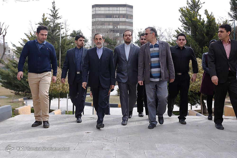 ملاقات خصوصی پوتین با مقام معظم رهبری غیر از دیدار دو ساعته/ فرماندهی سردار سلیمانی در سوریه/آنچه در انتخابات 92 گذشت