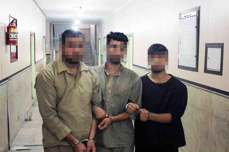 دلال خودرو زورگیر از آب درآمد/ متهم و برادران همسرش دستگیر شدند+تصاویر