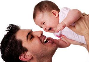 نقش پدر در تربيت كودك زياد است