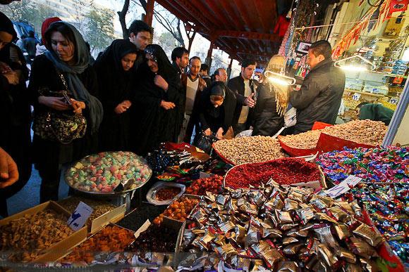 بازار شیرین شب عید در کام تلخ دلالانلبا