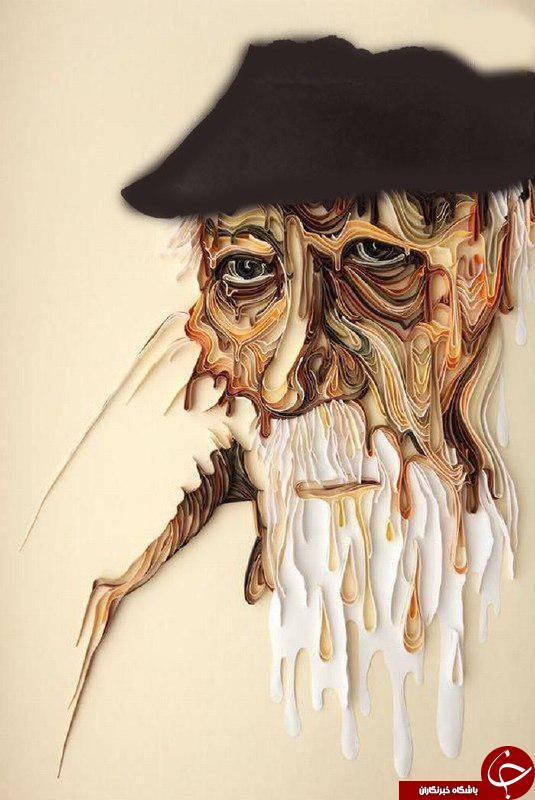 هنرمند يادآور مجسمه هايي مقوايي