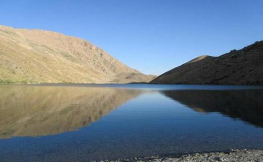 دریاچه گهر ملقب به نگین زاگرس+تصاویر