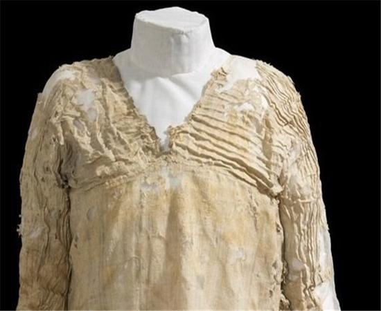 قدمت این لباس ۵ هزار سال است+عکس