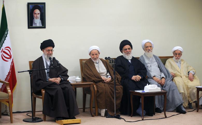 بیانات رهبرمعظم انقلاب در دیدار با رئیس و اعضای چهارمین دوره مجلس خبرگان رهبری