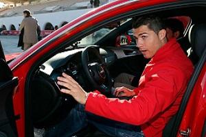 از کارت قرمز جنون آمیز تا اسکورت ویژه رونالدو ستاره رئال مادرید+فیلم