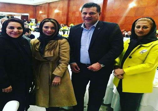 عکس/ علی دایی و همسرش در کنار کارگردان زن معروف